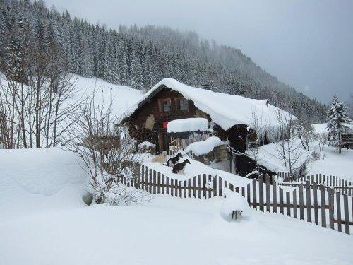 Winter mit viel Schnee im Thannlehen - mit den Schiern bis vor die Tür!